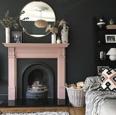 Monday Inspiration: Beautiful Rooms - Mad About The House Farrow And Ball Living Room, Living Room Designs, Living Room Decor, Front Room Decor, Best Decor, Black Rooms, Diy Décoration, Decoration Table, Decor Diy