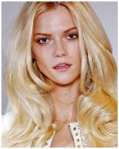 Pro color formula for this high noon blonde