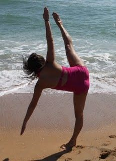 I want to take dance pictures on the beach ♥