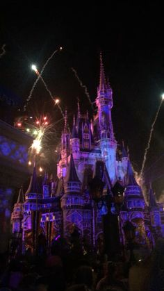 Disney World - Disney Aesthetic, Sky Aesthetic, Travel Aesthetic, Beautiful Places To Travel, Travel Videos, Disneyland Paris, Paris Travel, Disney Trips, Beautiful Landscapes
