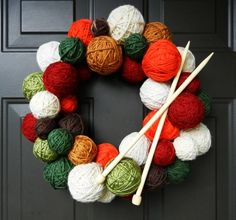 Yarn Ball Wreath Tutorial - from Craft Addiction Wreath Crafts, Diy Wreath, Yarn Crafts, Diy Crafts, Mesh Wreaths, Yarn Wreaths, Tulle Wreath, Floral Wreaths, Burlap Wreaths