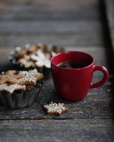 """4,771 Likes, 9 Comments - allthebeautifulthings (@allthebeautifulthingsblog) on Instagram: """"#allthebeautifulthings #morning #goodmorning #coffee #coffeetime #christmas #chrismastime…"""""""