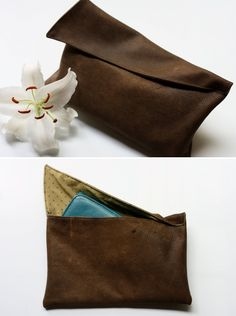 We all have some old leather jackets or bags that we don't use anymore. You can make tons of stuff out of them. Try this easy clutch using recycled leather and this free tutorial. Leather Tutorial, Clutch Tutorial, Diy Handbag, Diy Purse, Diy Sac Pochette, Sewing Tutorials, Sewing Projects, Diy Couture, Leather Craft