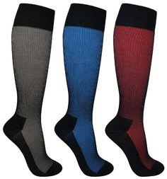 Tyylikkään virtaviivaiset tukisukat. Elegantti sävy yhdistettynä mustaan. Tukisukissa on vahvatuki ja ne soveltuvat henkilöille, joilla on enemmän jalkojen ongelmia Socks, Fashion, Moda, Fashion Styles, Sock, Stockings, Fashion Illustrations, Ankle Socks, Hosiery