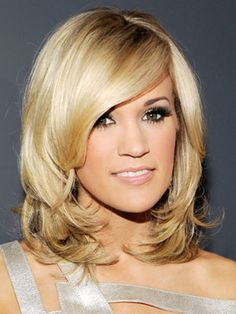 All about wavy and curly hair for women. I like this haircut.