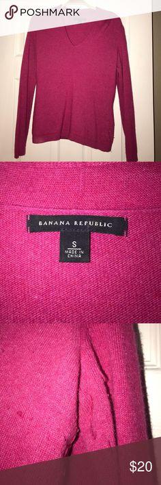 Banana Republic Dark Pink Sweater, Small Banana Republic Dark Pink Sweater, Small, IUC, some piling, beautiful color, very flattering , too small for me😔 Banana Republic Sweaters V-Necks