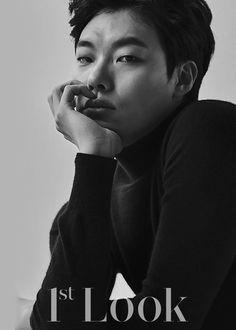 Ryu Jun-yeol | Wah.. don't look at me like that please (?)