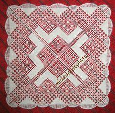 Pañuelo de bolillos para Taty. Bobbin Lacemaking, Bohemian Rug, Blanket, Tela, Bobbin Lace, Craft, Bobbin Lace Patterns, Lace Flowers, Crochet Edgings