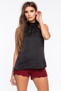 Топ Размеры: S, M, L Цвет: черный Цена: 1054 руб.     #одежда #женщинам #топы #коопт