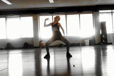 11-year-old dances and nails hip hop to Nicki Minaj's Anaconda. Wish I had half of these moves! Love Hip Hop <3