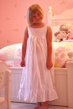 little girl night gown pattern <3 make one for jenna and one for her american girl doll?