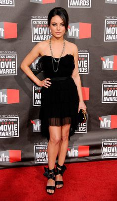 Mila Kunis, little black dress <3