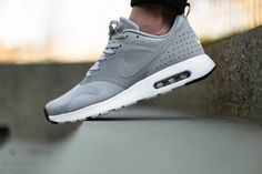 Nike Air Max,Nike Free Run, Our Nike Outlet Online Store! Adidas Shoes Outlet, Nike Shoes Outlet, Nike Free Shoes, Running Shoes Nike, Air Max Tavas, Store Nike, Nike Vintage, Nike Air Max, Sneaker Women