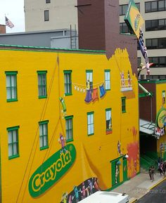 A full day of fun and creativity at the Crayola Experience in Easton Pennsylvania #Travel