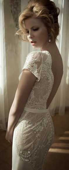 lihi hod low back pearl and lace vintage wedding dresses