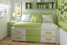 Beautiful Green Wall and Furniture in Modern Bedroom Purple Bedroom Decor, Modern Bedroom Furniture, Modern Bedroom Design, Bedroom Green, Bedroom Themes, Bedroom Colors, Room Decor Bedroom, Light Green Bedrooms, Next Bedroom