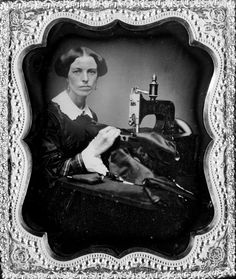 Stock Photo - Occupational portrait of a woman working at a sewing machine, sixth-plate daguerreotype, circa 1853 Louis Daguerre, Vintage Photographs, Vintage Photos, Vintage Stuff, Victorian Photos, Victorian Women, Antique Photos, Vintage Cards, Vintage Ladies
