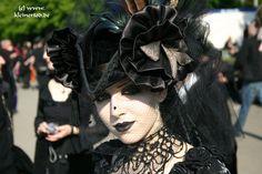 Kleiner Tod - Begegnungen - Photo Besucher WGT 2005 - Wave Gotik Treffen