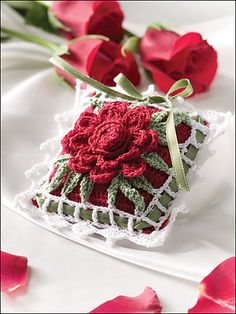 A Rose for Mom Gift Sachet pattern by Shirley Patterson      ♪ ♪ ... #inspiration_crochet #diy GB http://www.pinterest.com/gigibrazil/boards/