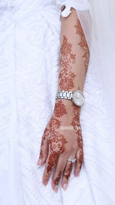 Pretty Henna Designs, Modern Henna Designs, Latest Henna Designs, Floral Henna Designs, Henna Designs Feet, Finger Henna Designs, Arabic Henna Designs, Mehndi Designs For Girls, Wedding Mehndi Designs
