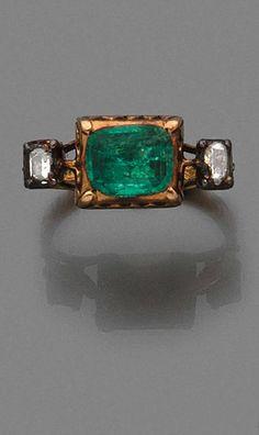 rubies.work/… A diamond, emerald and 18K gold Renaissance ring.