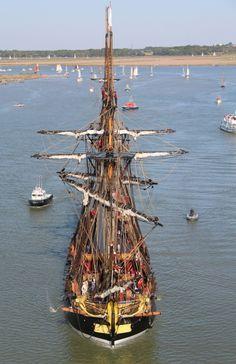 """Plus de 50000 personnes pour voir """"L'Hermione"""" faire route vers l'océan - SudOuest.fr"""