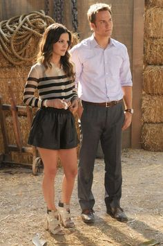 rachel bilson or zoey hart... i'd take either life or closet!