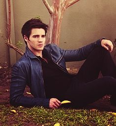 Steven R. McQueen portrays the character of Jeremy Gilbert.....