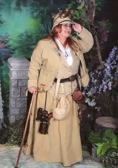 Great steampunk look!TRF, Skirt, copper walking stick by me. Hat/goggles/gun modded by me. Steampunk Costume, Steampunk Diy, Steampunk Clothing, Steampunk Fashion, Plus Size Steampunk, Safari Costume, Plus Size Halloween, Costumes, Dieselpunk