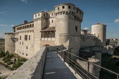 Castillo de Cuéllar (Segovia)... y pensar que hoy en día es un instituto de la ESO... Fotos: Qué visitar España: 30 castillos de leyenda | El Viajero | EL PAÍS