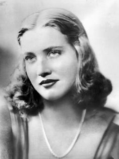 EdiE Bouvier Beale was a society beauty who once dated Howard Hughes and received proposals from Joe Kennedy Jr and John Paul Getty. Her lifestyle was cut short when her father left her mother and she moved back into Grey Gardens to care for her. Edith apparently scared off all of Edie's suitors fearing she would be left alone.