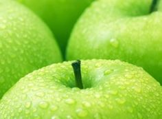 What are the health benefits of green apples and other apple varieties? What about cloudy apple juice benefits? Why are apple polyphenols so phenomenal? Fresh Apple Pie Recipe, Homemade Apple Pies, Apple Pie Recipes, Green Apple Benefits, Apple Health, Apple Varieties, Low Cholesterol, Fresh Apples, Greens Recipe
