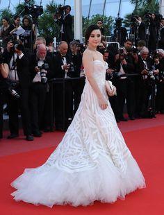 "Fan Bingbing in Elie Saab Couture at the ""Biutiful"" premiere (2010)"