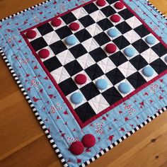 Custom Checkers Game Board / Quilted Table Runner - Any Fabric / Any Theme… Mini Quilts, Patchwork Quilt, Small Quilts, Patchwork Ideas, Quilting Tutorials, Quilting Projects, Sewing Projects, Quilting Tips, Sewing Hacks