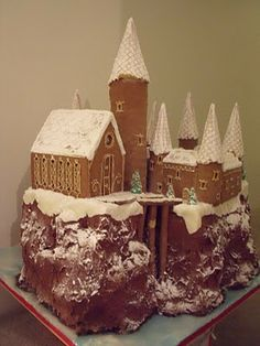 Caketecture: Hogwarts Gingerbread Castle