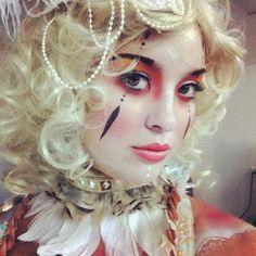 Make up Circus Creepy Clown Makeup, Circus Makeup, Carnival Makeup, Carnival Costumes, Halloween Makeup, Halloween Costumes, Carnival Hair, Halloween Party, Circus Fashion