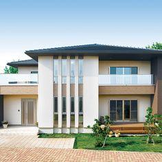 タマホームの家 商品ラインナップ | 家を建てるならタマホーム株式会社 Bungalows, Dream Home Design, Modern House Design, Japan Architecture, My House Plans, Japanese House, Facade House, Interior Exterior, House Goals