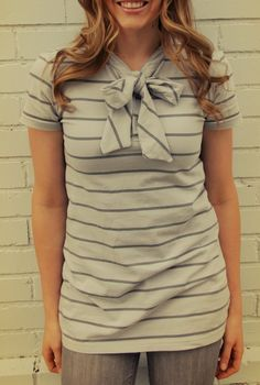 grey luster girl: Men's Polo To Woman's Bow Shirt Refashion - DIY tutorial - upcycling Diy Clothing, Sewing Clothes, Look Fashion, Diy Fashion, Umgestaltete Shirts, Bow Tie Blouse, Shirt Tutorial, What To Wear, My Style