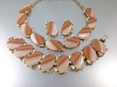 25% OFF CLEARANCE SALE Creamy Browns Vintage Thermoset Necklace, thermoset bracelet, thermoset earrings, 1950s Brown Thermo Plastic Necklace by TheOldJunkTrunk on Etsy https://www.etsy.com/listing/246310301/25-off-clearance-sale-creamy-browns