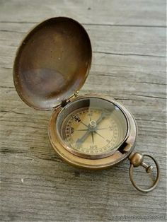 ANTIQUE STYLE BRASS ROSS LONDON POCKET WATCH COMPASS ANTIQUED BRASS COMPASS