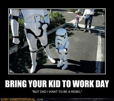 Apparently it reinforces the fact that many Stormtrooper soldiers are living in our planet instead of great Galactic Empire. Take a look, the stormtrooper and h Star Wars Baby, Stormtroopers, Demotivational Posters, The Force Is Strong, Star Wars Humor, Death Star, Funny Photos, Funniest Pictures, Silly Pics