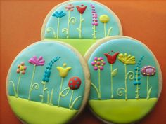 So sweet. Great way to decorate cookies.  http://cakecentral.com/gallery/2039391/spring-flowers
