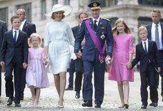 Mathilde kiest voor zeegroen op nationale feestdag - De Standaard