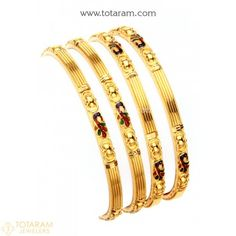 22 Karat 'Peacock' Gold Bangles - Set of 4 Pair) SIZE: After ordering the bangle please reply to the order confirmation e-mail with the required size, el Plain Gold Bangles, Gold Bangles For Women, Gold Bangles Design, Gold Plated Bangles, Gold Jewellery Design, Gold Temple Jewellery, Gold Jewelry, India Jewelry, Pearl Necklace Designs