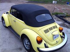 '78 1303 VW Cabriolet - For sale this SUPER ORIGINAL 1303 super beetle convertible in from sunny California . Odometer shows 78.000 miles. Price: € 7950,00 ($10,500)