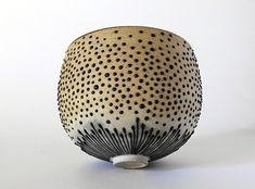 el-sabroso: Christina Guwang - Elphemere Ceramic Bowls, Ceramic Pottery, Pottery Art, Stoneware, Earthenware, Keramik Design, Keramik Vase, Japanese Pottery, Contemporary Ceramics