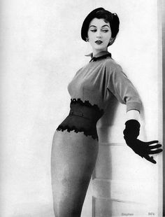 Dovima. 1954 by 50'sfan, via Flickr