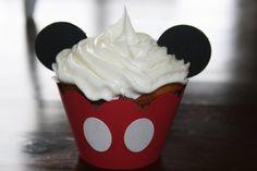 Cricut Crazy: Mickey Mouse Cupcakes