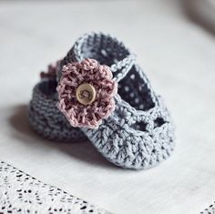 Old Rose Baby Booties  pattern on Craftsy.com by Mon Petit Violon designs