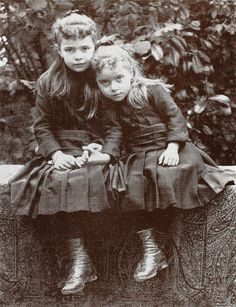Blessed Elizabeth of the Trinity with her sister